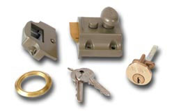 Yale 706 Night Latch - Polished Brass